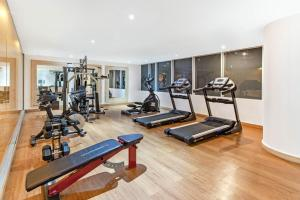 The fitness center and/or fitness facilities at La Quinta by Wyndham Medellin