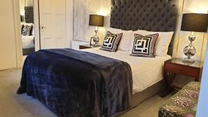 A bed or beds in a room at Acer View