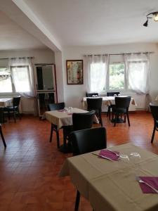 Restaurant ou autre lieu de restauration dans l'établissement Auberge La Folie