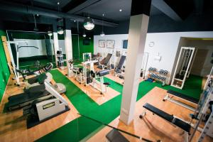 The fitness center and/or fitness facilities at Hotel Phoenix