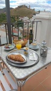 Breakfast options available to guests at Hostal Durán