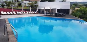 The swimming pool at or near Marina Mar II