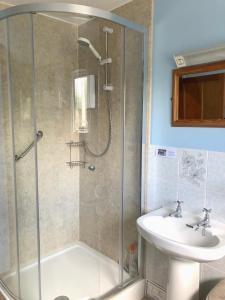 A bathroom at Brookleys