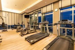 The fitness center and/or fitness facilities at Frida Hotels Guangzhou Baiyun International airport