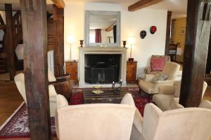 A seating area at Hotel de Charme 'zum Schiff'