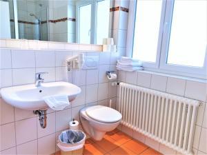 Ein Badezimmer in der Unterkunft Appartementhaus Regina