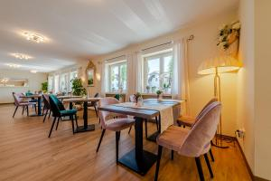 A restaurant or other place to eat at Hotel Neudeck