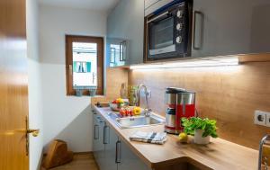 Küche/Küchenzeile in der Unterkunft Ferienwohnung Bergfrieden