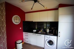 A kitchen or kitchenette at Casas do Picoutinho