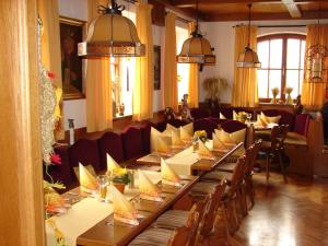 A restaurant or other place to eat at Gasthaus zur Traube