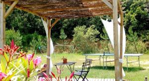 Jardín al aire libre en Casa Rural Can Miquel