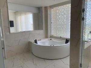 Ванная комната в Steigenberger Pure Lifestyle (Adults Only)