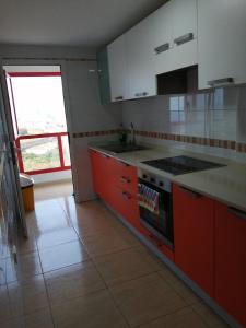 A kitchen or kitchenette at BUENAVIDA