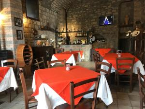 A restaurant or other place to eat at Casale Antonietta