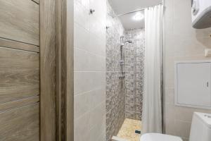 A bathroom at RentWill Borovskoe 4-4