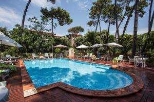 The swimming pool at or close to Piccolo Hotel