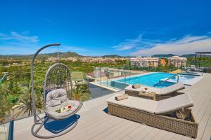 Widok na basen w obiekcie Protur Biomar Gran Hotel & Spa lub jego pobliżu