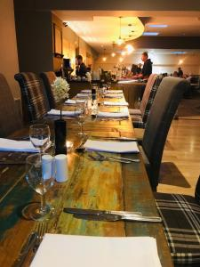 A restaurant or other place to eat at Dunchurch Park Hotel