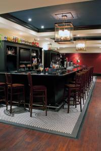 The lounge or bar area at Sheraton Columbia Downtown Hotel