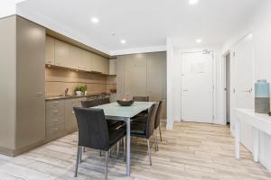 A kitchen or kitchenette at Latitude 37