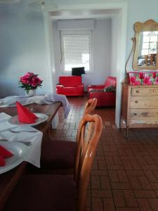 Een restaurant of ander eetgelegenheid bij Pension Breidbach
