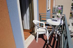 A balcony or terrace at Hotel Siviglia