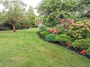 A garden outside Garden View Home