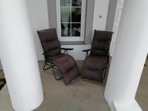 A seating area at Dworek Nadmorski