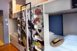 A bunk bed or bunk beds in a room at Nubian Hostel