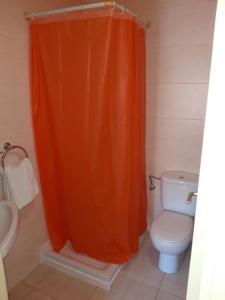 A bathroom at Hostal Cal Siles
