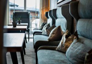 A seating area at Hotel Königgut