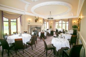 A restaurant or other place to eat at Kincraig Castle Hotel