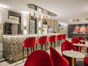 The lounge or bar area at Ibis Styles Toulouse Capitole