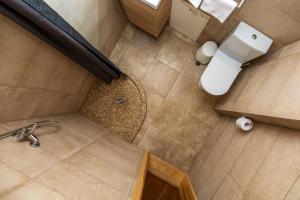 A bathroom at Palangos Vila