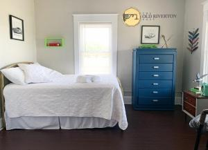 En eller flere senge i et værelse på The Old Riverton Post B&B