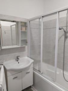 A bathroom at Hotel Priscilla