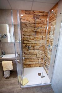 Ein Badezimmer in der Unterkunft Traditionsgasthof Zum Luedertal