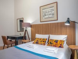 Кровать или кровати в номере Apartment on Moyka 42