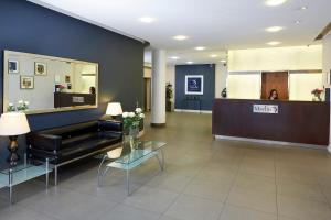 The lobby or reception area at Marlin Aldgate Tower Bridge