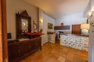 Ένα μπάνιο στο Κάστρο Μαΐνη