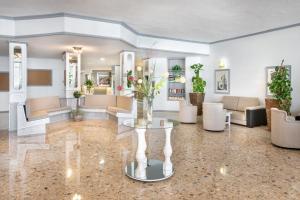El vestíbulo o zona de recepción de Hotel Panoramica Garden