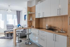 Kuchyň nebo kuchyňský kout v ubytování Jacuzzi - Flexible SelfCheckIns 20 - Zagreb - Luxury - Garage - Smart - Brand New - Apartments Repinc