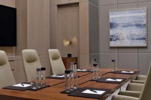 The business area and/or conference room at Address Fountain Views