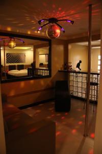 O saguão ou recepção de Motel Hollywood