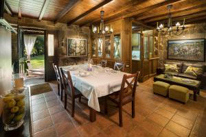 Un restaurante o sitio para comer en Casa da Muiñeira