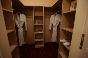 Koupelna v ubytování Interhotel Central