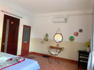 A seating area at IBIZA Hostel
