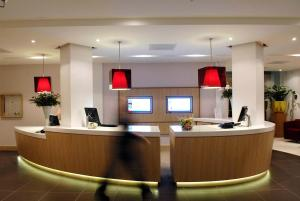 The lobby or reception area at Novotel Rotterdam Brainpark