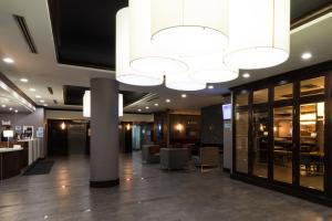 The lobby or reception area at Holiday Inn Express Edmonton Downtown, an IHG Hotel