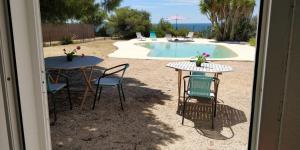Vista de la piscina de Casa da Guarda o alrededores